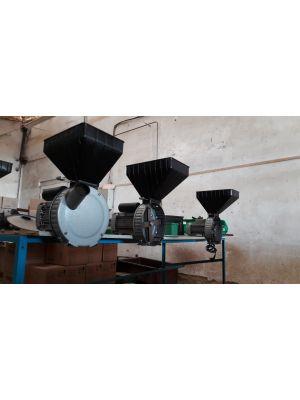 """Зернодробилка """"Газда Р71"""" (крупорушка, 1,7 кВт)"""
